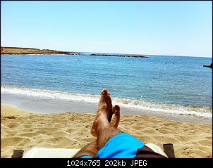 Click image for larger version.  Name:feet on beach.jpg Views:665 Size:202.5 KB ID:102060